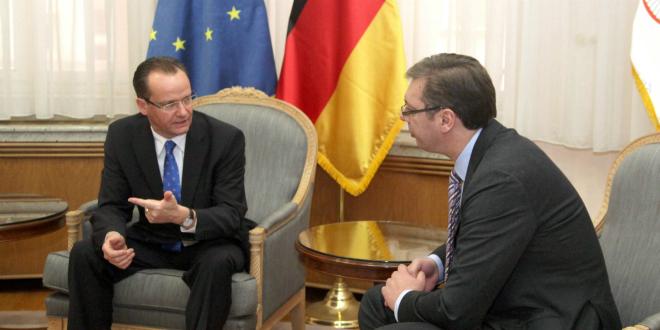 ginter-krichbaum-left-and-aleksandar-vucic-right-660-photo-betaphoto-serbian-government-slobodan-miljevic-ds.png