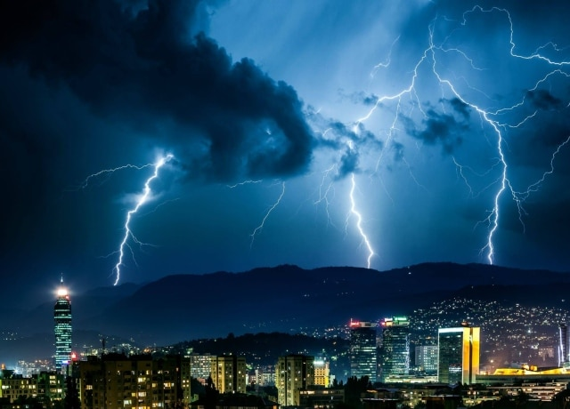 Bosnia's Storm Chasers Thrill to Prospect of Lousy Weather