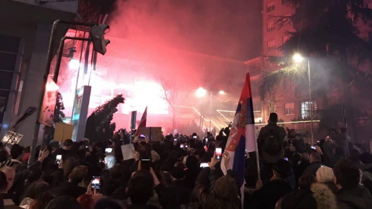 Maja-protest-4-RTS-zgrada-2000-e1549287746190-1280x720.jpg