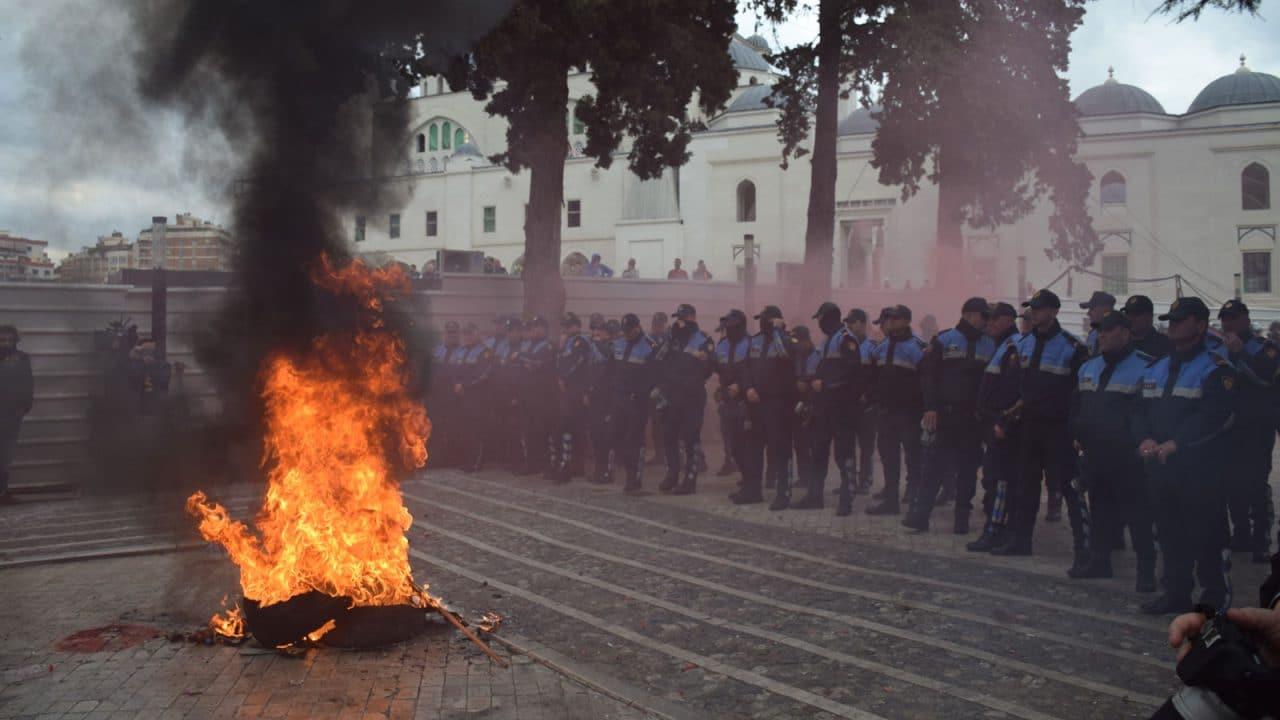 Protesta-opozita-5-mars-2019-Gjergj-Erebara2-1280x720.jpg