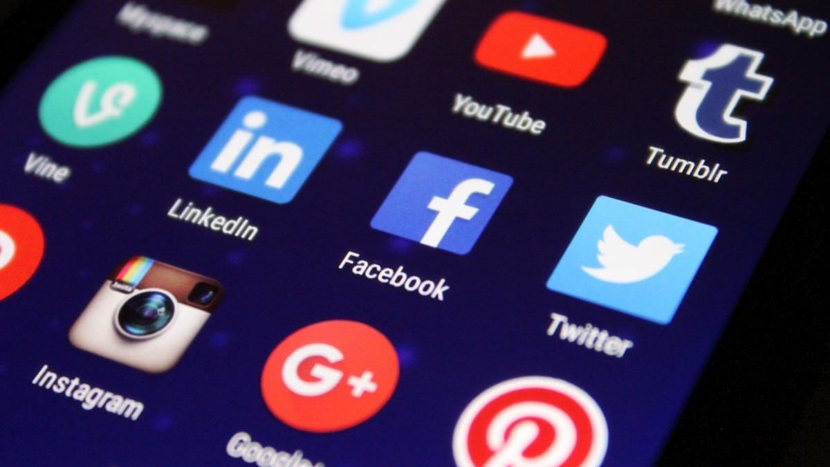 Facebook Google Urged To Appoint Agents In Serbia Balkan