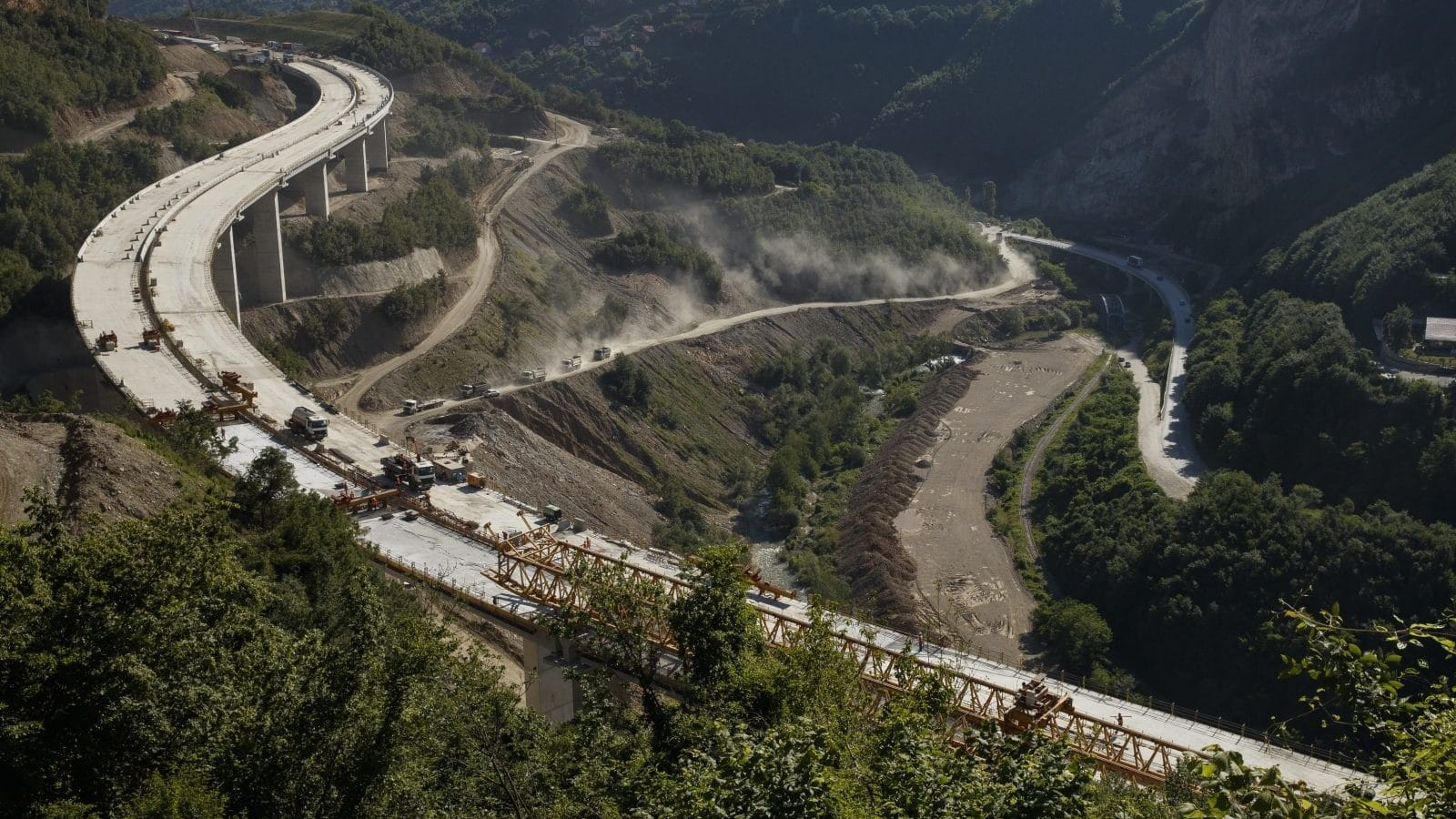 Impoverished Kosovo Pays Steep Price For New Highway | Balkan Insight