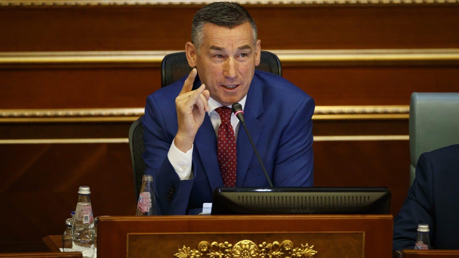 Kosovo president resigns over war crimes indictment - worldwide