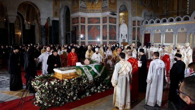 Thousands attend Serbian patriarch's funeral amid Covid-19 crisis