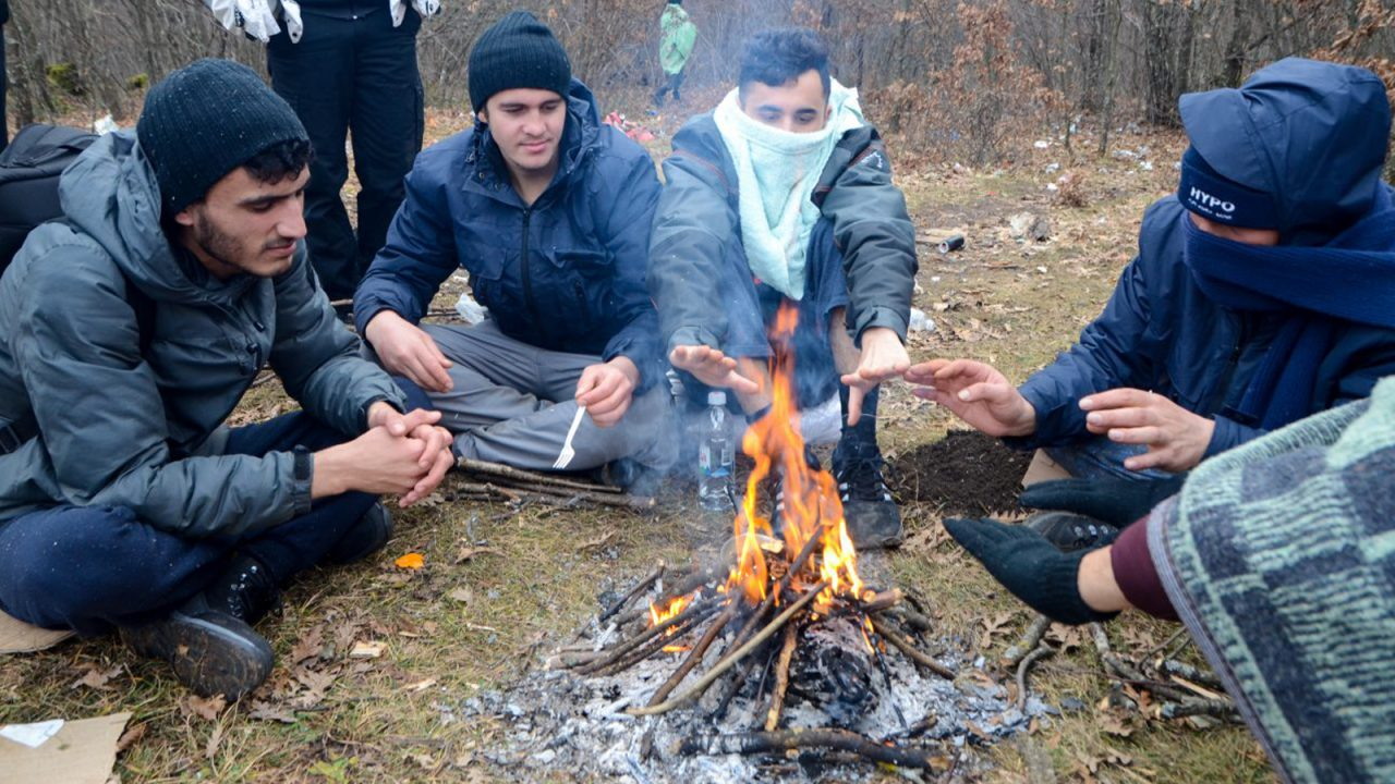 Police blame residents for fire at Bosnia migrant centre