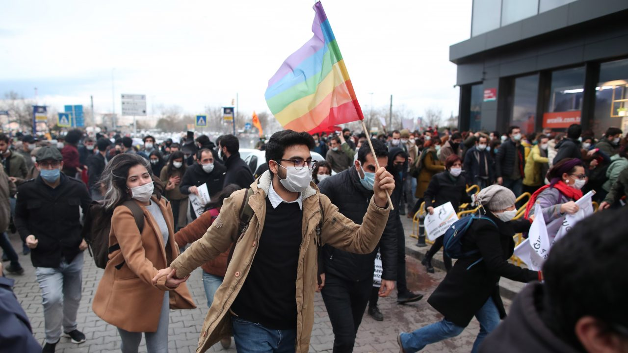 Erdogan hits out at 'LGBT youth' as police violently quash new protests