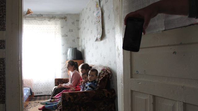 For Some Moldovans, Schooling Comes Via a Broken Mobile Phone