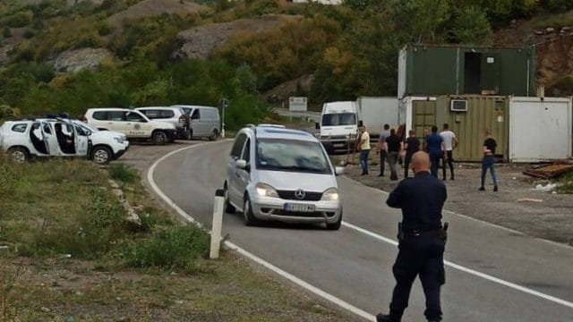 Kosovo Deploys Police as Serbs Protest in Licence Plate Dispute